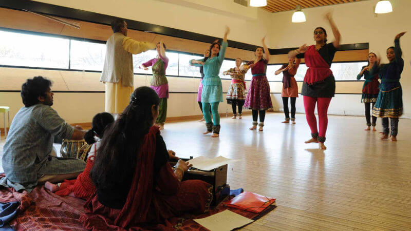 cours de bollywood et de kathak traditionnels à paris