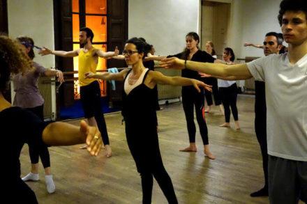 cours de danse contemporaine au centre de danse du marais