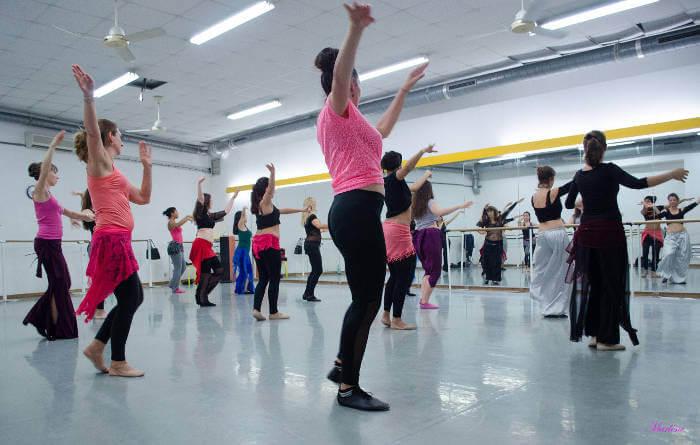 cours de danse orientale débutantes