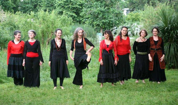 groupe de pratiquantes de flamenco