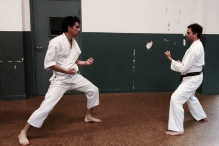 2 karateka traditionnel kase ha Paris