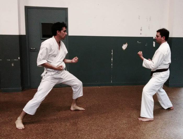 2 karateka traditionnel kase ha Paris