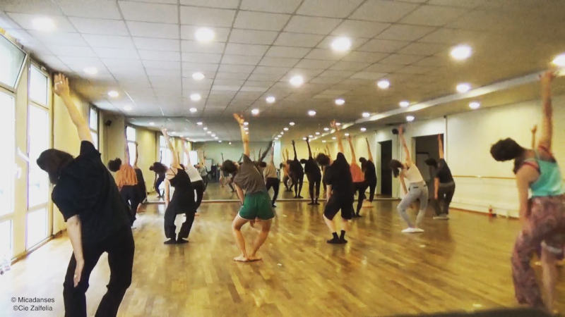danseurs de modern jazz dans un studio