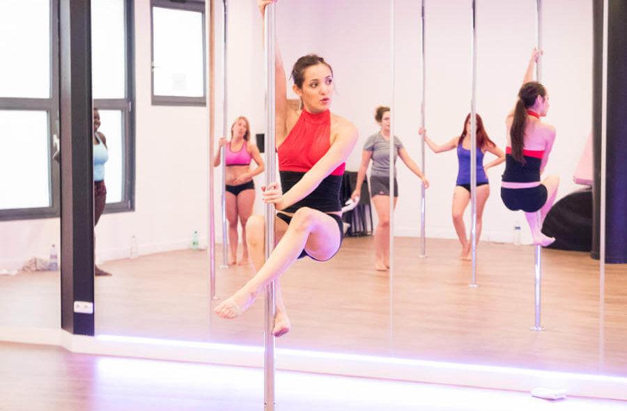 cours de pole dance paris sèvres