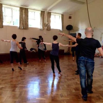 danseurs de danse latine solo