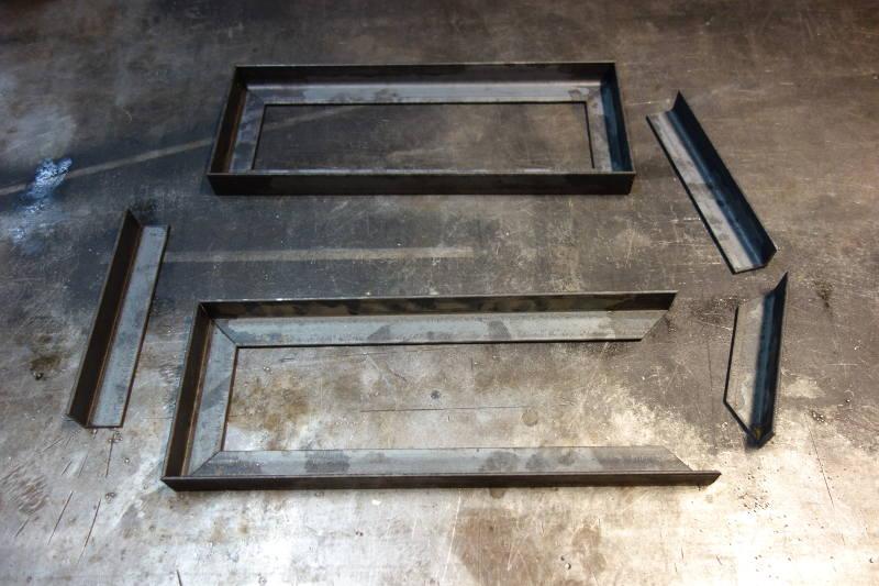 cornières en métal découpées