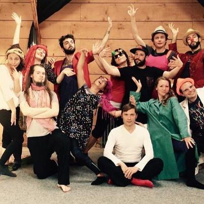 groupe de stagiaires clown théâtre