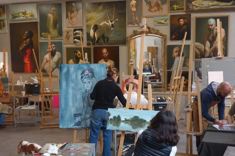 un atelier de peinture à montreuil