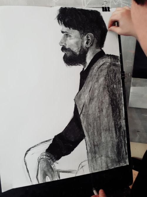 portrait d'homme barbu au fusain