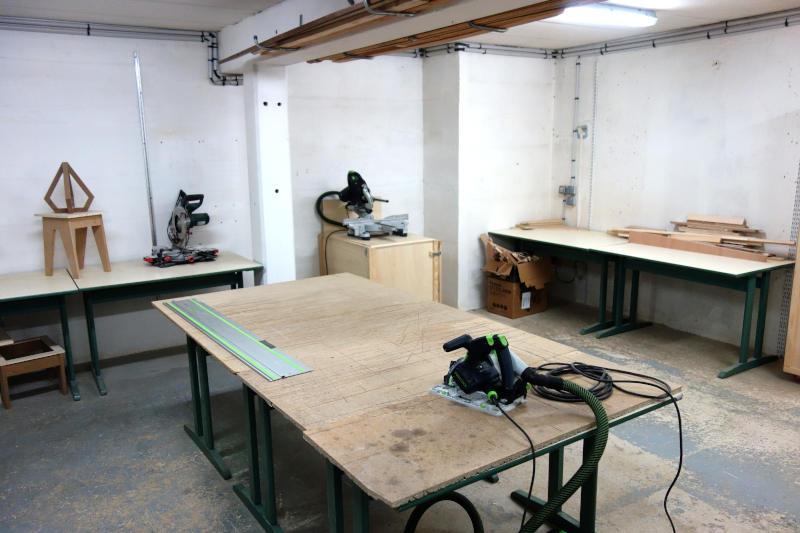 atelier de menuiserie et machines