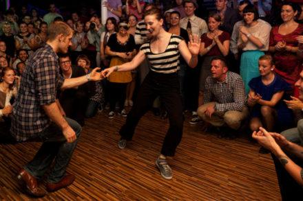 couple dansant le lindy