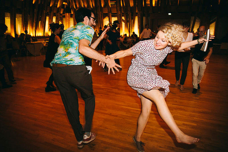 couple dansant le lindy hop