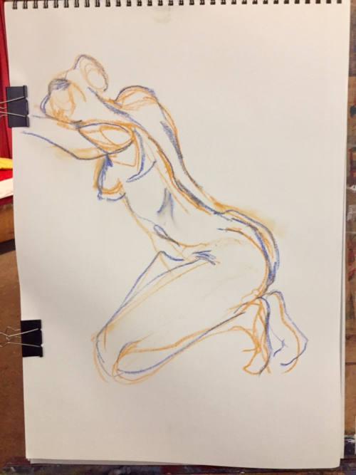 dessin de modèle femme nue à genoux