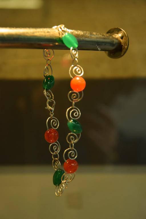 bracelet fil métallique et perles