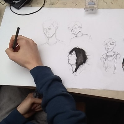 main de dessinateur