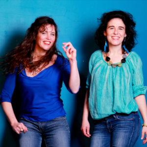 Lanna & Caroline bleu © Isabelle Rymer rognée-800