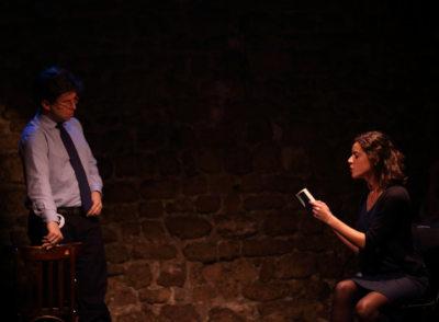 2 acteurs sur scène
