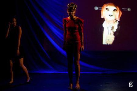 Découvrir tous les aspects du théâtre: dans des cours adultes, ados et enfants