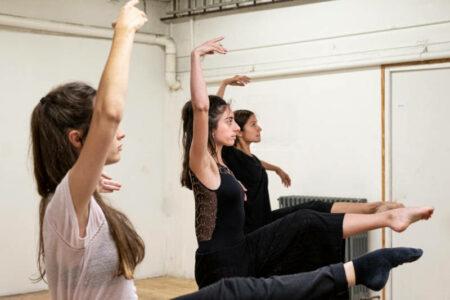 Mettre la création chorégraphique à la portée des danseurs amateurs